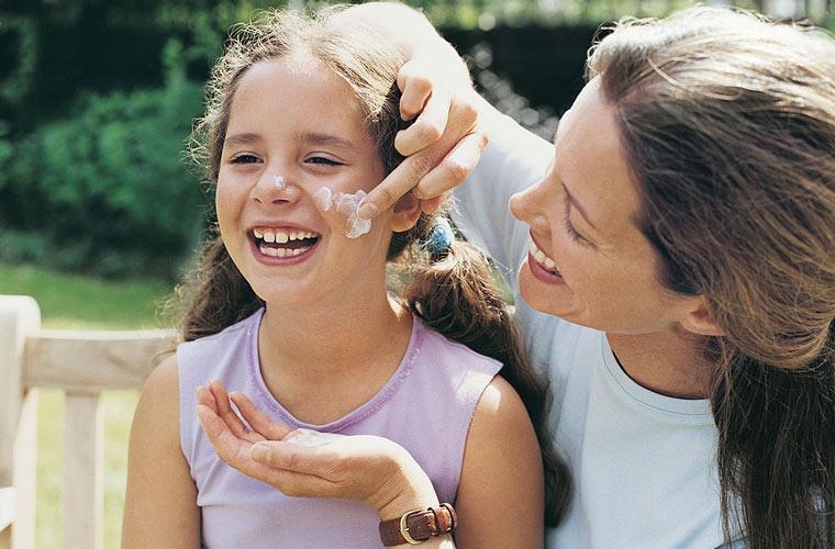 راهنمای خرید ضد آفتاب - چطور از ضدآفتاب استفاده کنیم